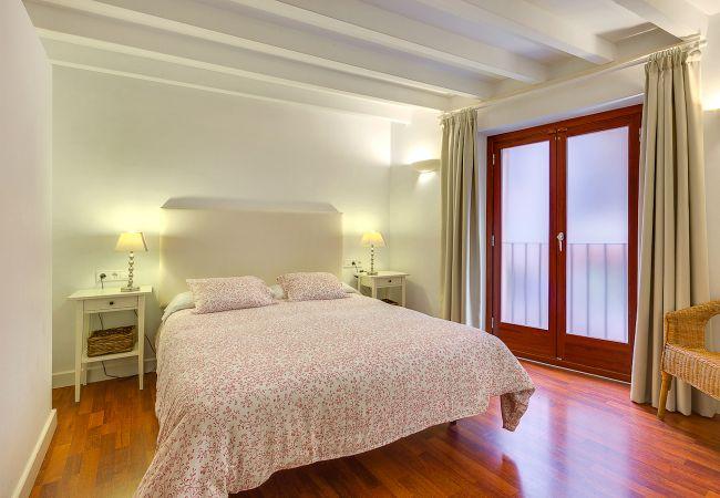 Apartamento en Palma de Mallorca - PALMA COLORS: RED (Turismo de Interior Llotgeta)
