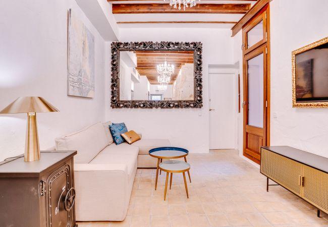 Apartment in Palma de Mallorca - VINTAGE PALMA PALACE APARTMENT