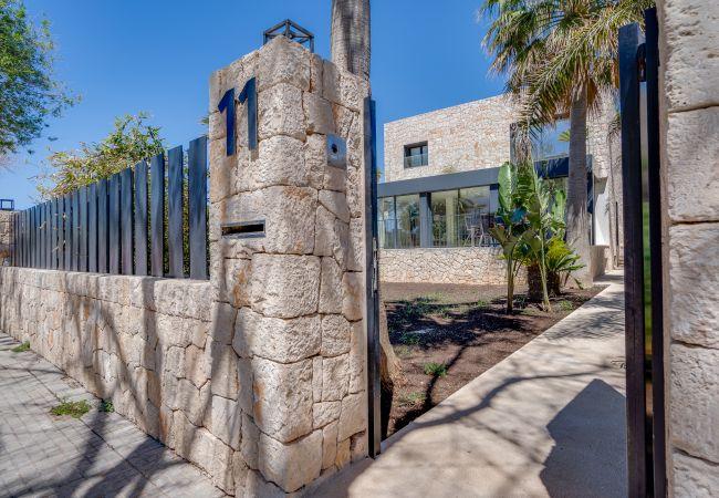 Villa in Palma de Mallorca - VILLA CAN TORRENS-CIUDAD JARDIN