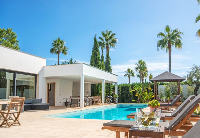 Villa/Dettached house in Port de Pollença - VILLA LLENAIRE POLLENSA by Priority