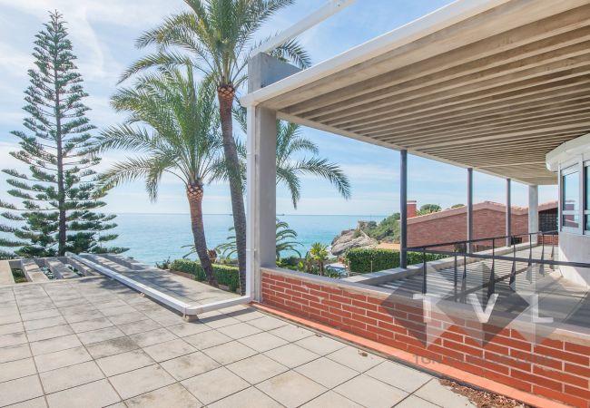 Villa in Tarragona - TH63-Luxury-Beachfront