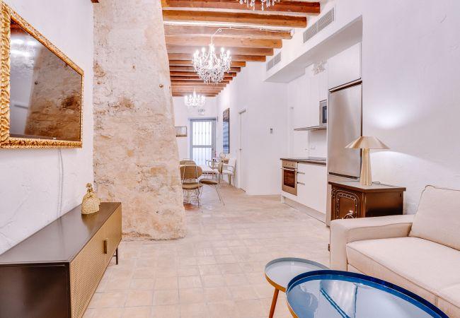 Apartment in Palma de Mallorca - VINTAGE PALMA PALACE (PATIO) TI/200
